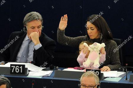 Licia Ronzulli (r) Italian Member of the European Parliament and Her Daughter Vittoria Take Part in a Voting Session in the European Parliament in Strasbourg France 21 November 2012 France Strasbourg
