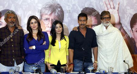 From (r-l) Bollywood Actors Amitabh Bachchan Ajay Devgan Amrita Rao Kareena Kapoor and Film Director Prakash Jha Pose in a Press Conference For the Promotion of Upcoming Film Satyagraha in Bhopal India 09 April 2013 India Bhopal