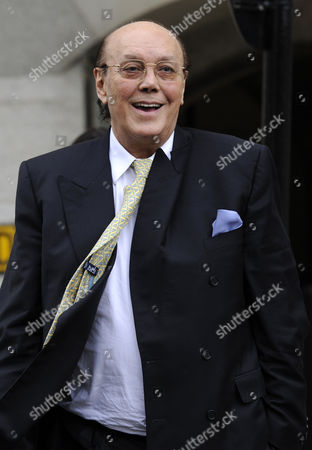 Former Business Tycoon Asil Nadir Leaves the the Old Bailey After the Jury Retired to Consider Its Verdict in the Polly Peck Fraud Case London Britain 15 August 2012 Nadir is on Trial at the Old Bailey Accused of Stealing Some 34 Million Pounds From His Polly Peck Business Between 1987 and 1990 United Kingdom London