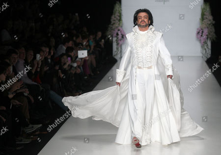 Russian Singer Philipp Kirkorov Presents Creation by Designer Elena Souproun During the 2013/2014 Fall/winter Mercedes-benz Fashion Week in Moscow Russia 01 April 2013 Russian Federation Moscow