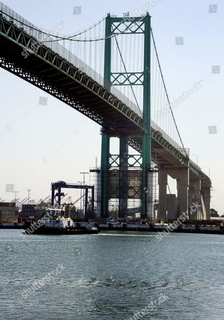 A View of the Vincent Thomas Bridge in San Pedro California Usa 20 August 2012 According to Media Reports on 20 August 2012 British Film Director Tony Scott Has Died From Injuries Sustained From Jumping Off the Bridge the Body of Scott Whose Work Included Top Gun and True Romance was Retrieved From Los Angeles Harbour by Port Authorities After an Apparent Suicide According to Police Initial Reports United States San Pedro