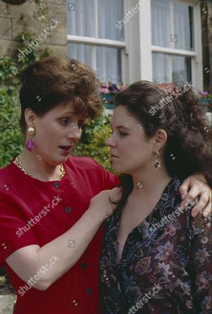 Stock Photo of Philomena McDonagh (as Carol Nelson) and Nicola Strong (as Lorraine Nelson)