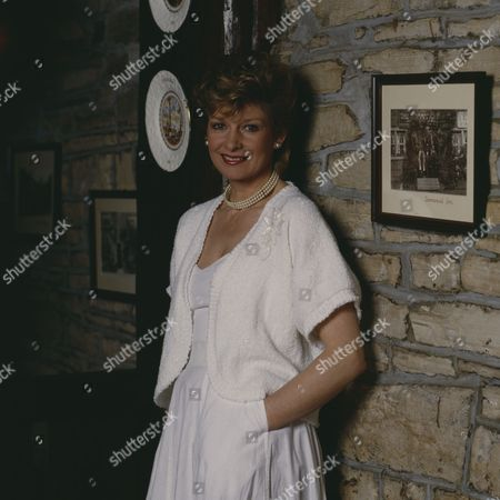 Jean Rogers (as Dolly Skilbeck)