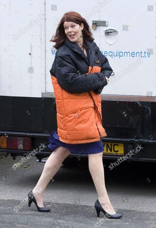 Blind date Lisa, played by Ruth Alexander Rubin.