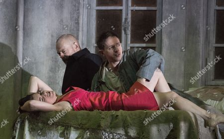 Victoria Simmonds as Marie, Mark Padmore as John, Iestyn Davies as The Boy,