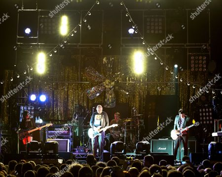 The Smashing Pumpkins - Billy Corgan, Jimmy Chamberlin, Jeff Schroeder, Nicole Fiorentino