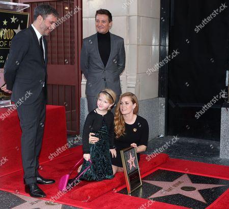 Stock Photo of Amy Adams, Denis Villeneuve, Jeremy Renner and Aviana Olea Le Gallo