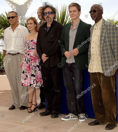 President of the 'Jury Cinefondation' Russian Director Andrei Konchalovsky (l) Poses with Jury Members (l-r) French Actress Sandrine Bonnaire Polish Composer Zbigniew Preisner Us Director Tim Burton German Actor Daniel Bruehl and Malian Director Souleymane Cisse During a Photo Call of the Jury at the 59th Cannes Film Festival Thursday 25 May 2006 in Cannes