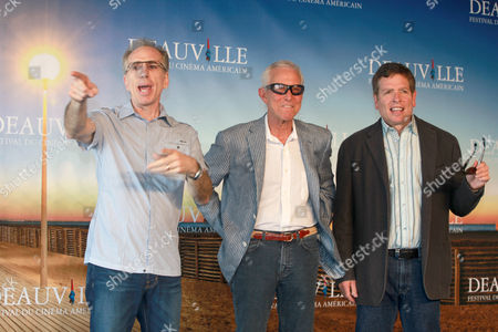 (l-r) Us Directors Screenwriters and Producers Jerry Zucker Jim Abrahams and David Zucker Also Known As the Zaz Pose During a Photocall at the 35th Deauville American Film Festival in Deauville France 08 September 2009 a Tribute to the Zaz Will Be Held During the Festival Running From 04 to 13 September 2009