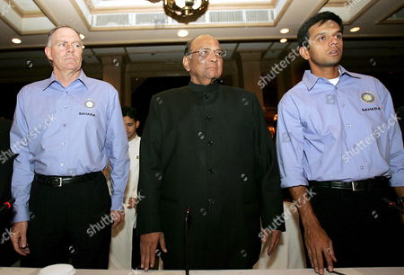 (l - R) Indian Cricket Coach Greg Chappell with Indian Cricket Board President Sharad Pawar and Indian Captain Rahul Dravid Ahead of the Team's Departure During a Press Meet in New Delhi India On Thursday 05 January 2006 the Indian Captain Said: 'For Any Indian Cricketer the Tour to Pakistan is Very Special '