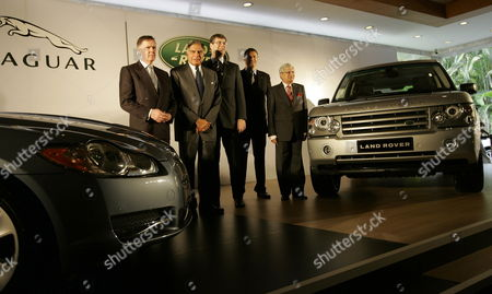 (l-r) Managing Director Jaguar Mike O'driscoll Chairman Tata Group Ratan Tata Ceo Jaguar Land Rover David Smith Managing Director - Land Rover Phil Popham and Vice Chairman-tata Mators Ravi Kant During the India Launch of Jaguar Land Rover in Mumbai India 28 June 2009 the New Range of Premium Luxury Vehicles Available For the Indian Market Will Include the Jaguar Xf Xfr and Xkr and Land Rover Discovery 3 Range Rover Sport and Range Rover