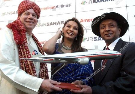 (l-r) Craig Kreeger Vice President- Europe & Pacific American Airlines Former Miss World Diana Hayden and Ronojoy Dutta President Air Sahara Gather Together Wednersday 16 November 2005 to Celebrate the Maiden Flight of American Airlines From Delhi to Chiacago Which Begins On 17 November 2005 Passengers Can Connect On Wards From Chacago Airport to 125 Cities in the Us