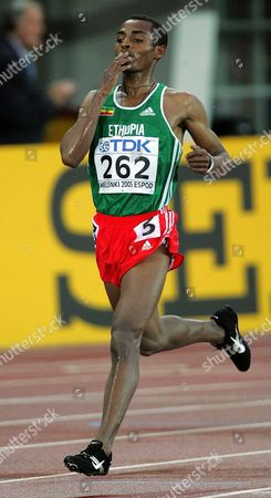 Ethopian Kennenisa Bekele Wins the Men's 10 000m Final at the 10th Iaaf World Championships in Athletics Helsinki Finland Monday 08 August 2005 Ethopian Kennenisa Bekele Won Ahead of Compatriot Sileshi Sihine and Moses Mosop of Kenya Finland Helsinki