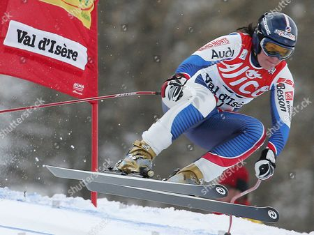 French's Carole Montillet-carles in Action During the Women's World Cup Downhill in Val D'isere France Saturday 17 December 2005 Montillet-carles Finished 6th