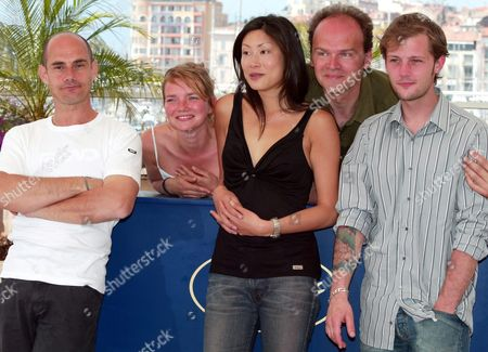 French Actor Bernard Campan (l) Actress Sophie Quinton (cl) Actress Mai Anh Le (c) Directorjean-pierre Ameris (cr) and Actor Nicolas Devauchelle (r) Pose During a Photocall Ahead of the Screening of a French Movie 'Poids Leger' Directed Which Competes in the 'Un Certain Regard' Competition at the 57th International Film Festival in Cannes France Friday 21 May 2004