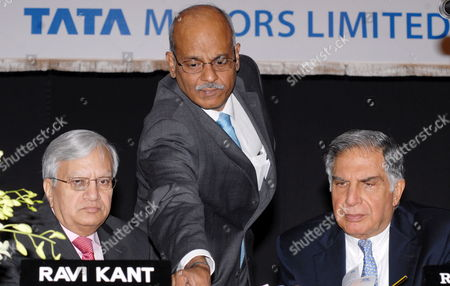Ravi Kant (l) Vice Chairman Tata Motors C Ramakrishnan (c) Chief Financial Officer Tata Motors and Ratan Tata Chairman Tata Motors During the Tata Motors Annual General Meeting in Mumbai India 25 August 2009 Tata Motors Reported a Gross Revenue (stand-alone) of Over 286 Billion Inr Or 4 Billion Eur (2007-08: Over 330 Billion Inr Or 4 7 Billion Eur) in 2008-09 a Year Marked by Severe Demand Contraction in the Automobile Industry