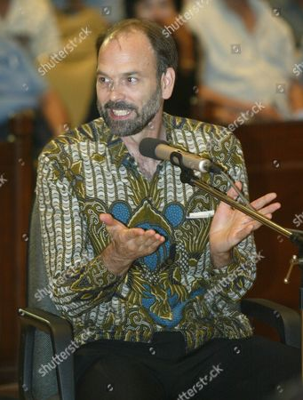 An American Frederick Burks a Former Translator For the Us Foreign Ministry Gives His Testimony During the Trial of Muslim Cleric Abu Bakar Ba'asyir at South Jakarta's Court in Indonesia 13 January 2005 Burks Told the Court That Us President George W Bush Has Once Demanding the Alleged Teror Suspect Abu Bakar Ba'asyir to Be Secretly Handed Over to Washington Authorities