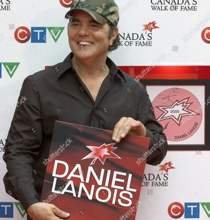 Music Producer Daniel Lanois is Inducted Into Canada's Walk of Fame in Toronto Canada Sunday 05 June 2005 Lanois is Well-known For Producing the Band U2 the Walk of Fame Honours Canadians in the Fields of Sports Arts and Entertainment
