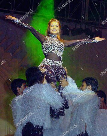 Bollywood Actress Amisha Patel Performing at the Inauguration Function of Lucknow Mahotsov On Thursday Evening 25 November 2004 in Lucknow Uttar Pradesh India