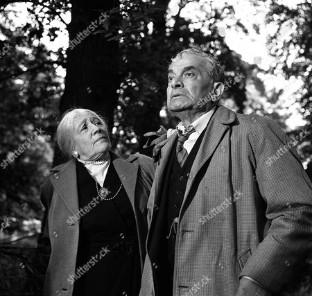 Stock Picture of 'Espionage'  - 'A Covenant with Death' - Lilly Freud-Marle and Arnold Marle