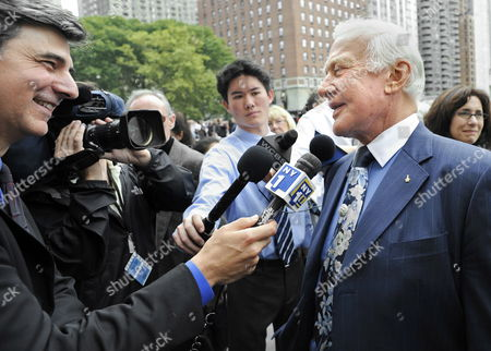 Former Us Astronaut Buzz Aldrin (r) Speaks with the News Media After Attending the Memorial Service For the Long Time Cbs News Anchor Walter Cronkite at Lincoln Center in New York Usa 09 September 2009