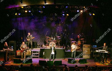 Edgar Winter, Gary Burr, Colin Hay, Hamish Stuart, Ringo Starr, Billy Squier, Gregg Bissonette and Gary Wright
