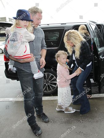 Jessica Simpson, Eric Johnson, son Ace Knute Johnson and daughter Maxwell Drew Johnson