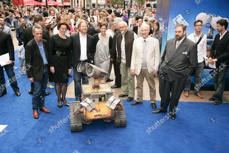Sigourney Weaver, Andrew Stanton, Peter Gabriel, Ben Burtt and guests with WALL E