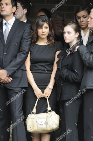 Roxanne Pallett and Isobel Hodgkin who plays on screen daughter Victoria Sugden.
