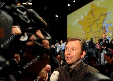 Astana Cycling Team Director Belgian Johan Bruyneel Talks to the Media After the Presentation of Tour De France 2009 in Paris France On 22 October 2008 the Race Will Start On 04 July 2009 in Monaco and End On 26 July in Paris