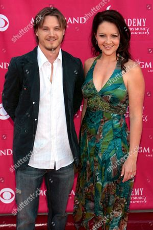 Singer Josh Kear (l) and His Wife Singer Carly Goodwin (r) Arrive at the 42nd Annual Academy of Country Music Awards at the Mgm Grand Garden Arena in Las Vegas Nevada 15 May 2007
