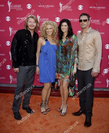 (l-r) Philip Sweet Karen Fairchild Kimberly Roads and Jimi Westbrook of Little Big Town Arrive at the 43rd Annual Academy of Country Music Awards Held at the Mgm Grand Garden Arena in Las Vegas Nevada Usa On 18 May 2008