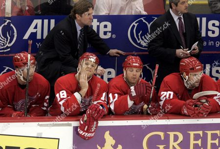 Detroit Red Wings Head Coach Mike Babcock Stand Over Mikael Samulson (l) Kirk Maltby Dan Cleary and Robert Lang in the Second Period Against the Edmonton Oilers in Game Five of Their First Round Western Conference Playoff Match at Joe Louis Arena in Detroit On Sunday 29 April 2006 the Oilers Beat the Red Wings 3-2 to Take a 3-2 Lead in Their Best of Seven Series