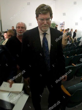 George Smoot Winner of the 2006 Nobel Prize in Physics Leaves the Auditorium After a Press Conference at the University of California Berkeley Tuesday 03 October 2006 Smoot Shares His Award with John Mather of Nasa Goddard Space Flight Center For Their Discovery of the Blackbody Form and Anisotropy of the Cosmic Microwave Background Radiation