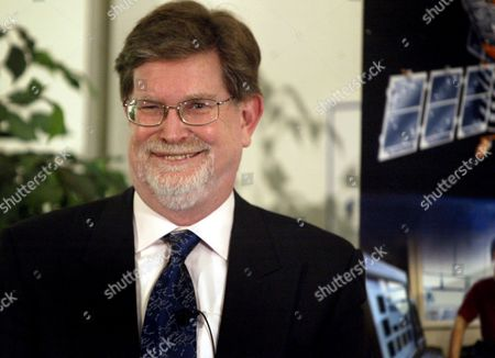 George Smoot Winner of the 2006 Nobel Prize in Physics Smiles at His Press Conference at the University of California Berkeley Tuesday 03 October 2006 Smoot Shares His Award with John Mather of Nasa Goddard Space Flight Center For Their Discovery of the Blackbody Form and Anisotropy of the Cosmic Microwave Background Radiation