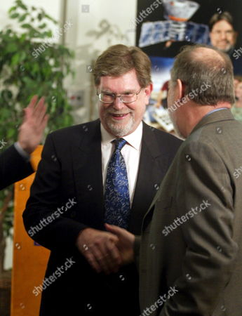 George Smoot (c) Winner of the 2006 Nobel Prize in Physics Gets Congratulated by Colleagues Before His Press Conference at the University of California Berkeley Tuesday 03 October 2006 Smoot Shares His Award with John Mather of Nasa Goddard Space Flight Center For Their Discovery of the Blackbody Form and Anisotropy of the Cosmic Microwave Background Radiation