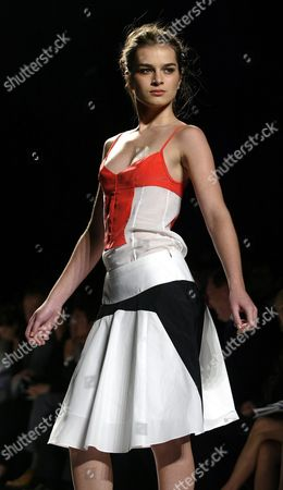 A Model Walks Down the Runway During the Narcisco Rodriguez Spring/summer 2005 Collection Show at Olympus Fashion Week in New York Tuesday 14 September 2004