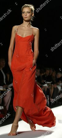 Stock Image of A Model Walks Down the Runway During the Narcisco Rodriguez Spring/summer 2005 Collection Show at Olympus Fashion Week in New York Tuesday 14 September 2004