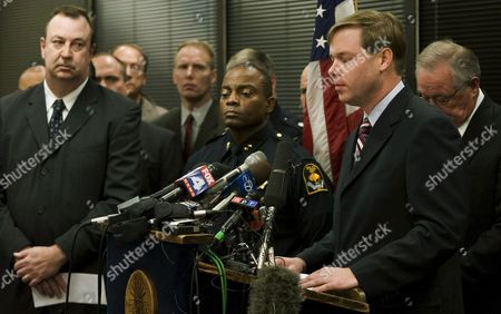 Jim Von Maur(r) Chief Executive of Von Maur Department Stores Pauses During His Speech to the Press at the Mayor's Office in Downtown Omaha Nebraska Usa On 06 December 2007 a Day After a Gunman Killed Nine and Injured Five Shoppers at a Von Maur Store at the Westroads Mall in Omaha Also Seen Are Omaha Fire Chief Robert Dahlquist (l) and Police Chief Tom Warren (c) United States Omaha