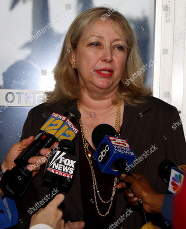 Stock Picture of Marilyn Beuttenmuller Clerk Fourth District Court of Appeal Informs the Media That the Anna Nicole Smith's Mother Virgie Arthurs Emergency Motion to Stay Enforcement of the Trail Court's 22 February 2007 Order is Granted Until Further Order of the Court On Monday 26 February 2007 in West Palm Beach Florida Further Ordered That All Respondents Shall File a Response to Petition For Writ of Certiorari by 2:00p M Tuesday 27 February 2007 the Order Was Served to Howard Forman Clerk Susan Brown Dr Joshua Perper Medical Examiner Roberta Mandel Attorney Mary Krista Barth Hon Larry Seidlin Nancy Hass and Attorney Richard Milstein