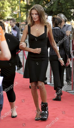 Fashion Model Daria Werbowy Arrives with a Cast On Her Left Foot at the 10th Annual Canada's Walk of Fame Ceremony in Toronto Canada On 06 September 2008 Werbowy Received a Sidewalk Star On the Walk of Fame Which Celebrates the Accomplishments of Canadians in the Areas of the Arts Entertainment Sports and Innovation