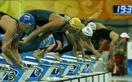 Grant Hackett of Australia (2nd L) Dives Into the Pool at the Start of a Men's 400m Freestyle Heat at the National Aquatics Center During the 2008 Olympic Games in Beijing China 09 August 2008 China Beijing