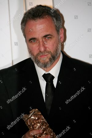 Israeli Director Ari Folman Who Won the Best Foreign Movie Award For His Film 'Waltz with Bachir' Poses During a Photocall After the 34th Cesar Awards Ceremony at the Theatre Du Chatelet in Paris France 27 February 2009 the Cesar Award is the National Film Award of France First Given out in 1975 the Nominations Are Selected by the Members of the Academie Des Arts Et Techniques Du Cinema