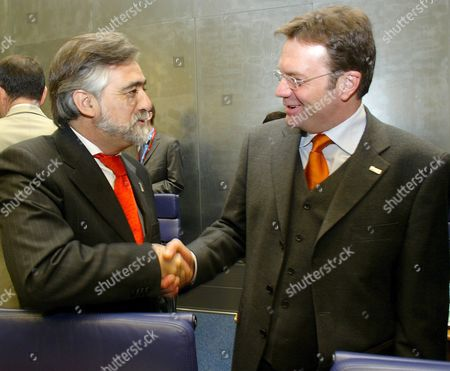 Editorial photo of Luxembourg Defence Ministers Meeting - Mar 2005