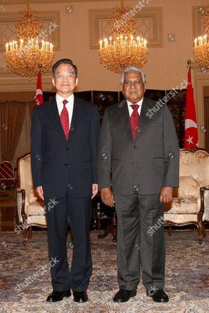 Chinese Premier Wen Jiabao (l) with Singapore President Sr Nathan at the Istana Presidential Palace in Singapore Before the Start of the the Association of South East Asian Nations (asean) Summit 19 November 2007 Asean is Composed of Brunei Cambodia Indonesia Laos Malaysia Myanmar the Philippines Singapore Thailand and Vietnam