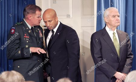 Lieutenant General Carl a Strock Commander and Chief of the Us Army Corps of Engineers (l) Talks with New Orleans Mayor Ray Nagin (c) During a Press Conference with U S Federal Gulf Coast Recovery Director Don Powell After Their Meeting with President Bush at the White House in Washington Dc Thursday 15 December 2005 Powell Announced a $3 1 Billion Program to Repair and Strengthen the Levees in New Orleans