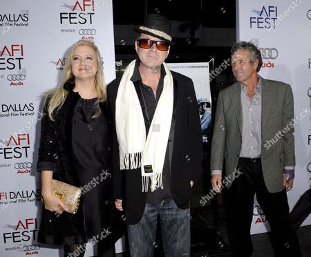 Us Producer Laura Bickford (l) Us Actor Sam Bottoms (c) and Us Actor Timothy Bottoms (r) Arrive For the Afi (american Film Institute) Fest Centerpiece Gala Screening of 'Che' in Hollywood California Usa 01 November 2008 'Che' is a Two-part Epic Film That Follows Che (benicio Del Toro) Fidel Castro and a Band of Cuban Exiles As They Mobilize the Country Overthrow the Us Supported Dictator Batista and Attempt to Spread the Revolution Throughout Latin America