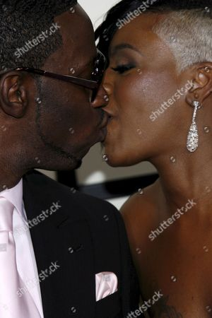 Stock Image of Us Singers Fantasia and Young Dro Share a Kiss On the Red Carpet During the 50th Annual Grammy Awards at the Staples Center in Los Angeles California Usa 10 February 2008