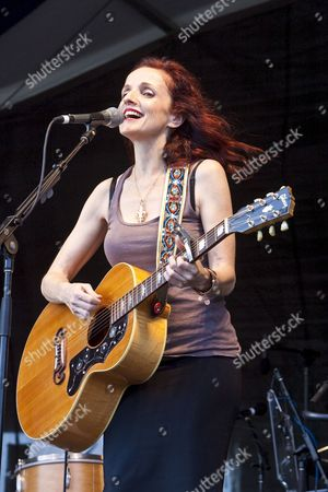 Us Singer-songwriter and Musician Patty Griffin Performing On the Fais Do-do Stage at the New Orleans Jazz and Heritage Festival at the New Orleans Fair Grounds Race Course in New Orleans Louisiana Usa 1 May 2009 New Orleans Jazz and Heritage Festival Or Jazzfest Celebrates It's 40th Anniversary This Year with 12 Different Stages in an Annual 7-day Cultural Event That Encompasses Every Style Associated with the City of New Orleans Including Jazz Gospel Cajun Zydeco Blues Rhythm and Blues Rock Funk African Latin Caribbean Folk and Much More in Addition to Food Booths with Local Cuisine Exhibits Arts and Crafts