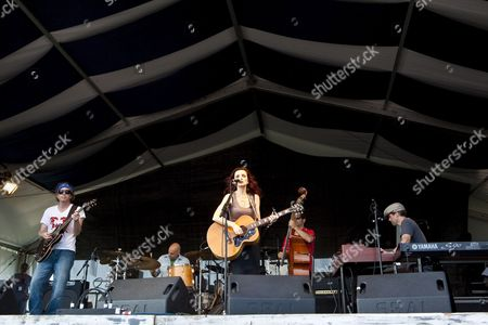 Us Singer-songwriter and Musician Patty Griffin (c) Performing On the Fais Do-do Stage at the New Orleans Jazz and Heritage Festival at the New Orleans Fair Grounds Race Course in New Orleans Louisiana Usa 1 May 2009 New Orleans Jazz and Heritage Festival Or Jazzfest Celebrates It's 40th Anniversary This Year with 12 Different Stages in an Annual 7-day Cultural Event That Encompasses Every Style Associated with the City of New Orleans Including Jazz Gospel Cajun Zydeco Blues Rhythm and Blues Rock Funk African Latin Caribbean Folk and Much More in Addition to Food Booths with Local Cuisine Exhibits Arts and Crafts